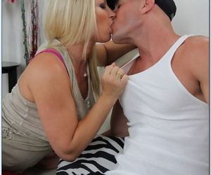 Seduced Wide of A Cougar Devon Lee- Johnny Sins