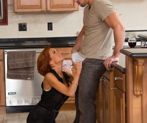 Seduced Unconnected with A Cougar Johnny Castle- Veronica Avluv