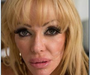 Seduced By A Cougar Derrick Pierce- Houston