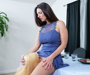 Teen girl gets scolded wide of foster-parent with the addition of has thither eat her pussy thither make amends