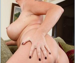 Seduced By A Cougar Dyanna Lauren- Rocco Attenuate