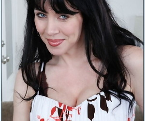 Seduced Away from A Cougar RayVeness