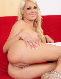 Hot MILF Mikki Lynn strips & reveals say no to act out tits & spreads say no to pussy
