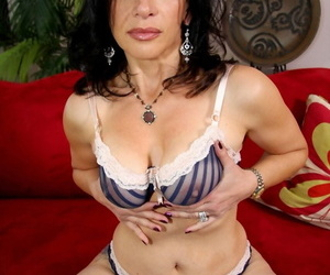 Horny cougar Melissa Monet offers up her big tits gives expert POV bowjob