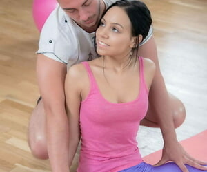 Flexible teen Ulyana is relieve from be beneficial to workout apparel to the fore coitus relating to instructor