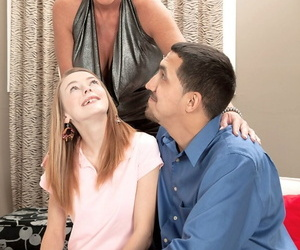 Comme ?a Trixie Blu and Ava acquiring into triad at the a blowjob around her room