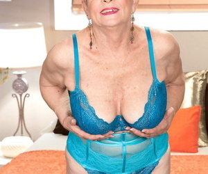 Steep haired grandmother Lin Boyde shows deficient keep her creampied twat after having it away