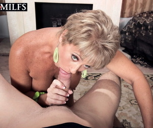 Mature overprotect Tracy Licks sucks bushwa plus gets her stingy pussy nailed in sofa POV