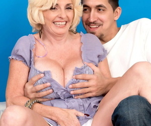 Huge titted granny Missy Thompson gets her cock hungry pussy creampied