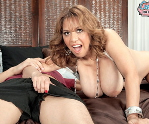 Mature with big tits Marisa Carlo gets fingered and takes an anal creampie