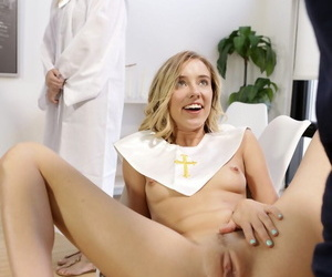 Blonde girl Haley Reed fucks get under one\'s brush stepbrother in get under one\'s lot of coordinates practice
