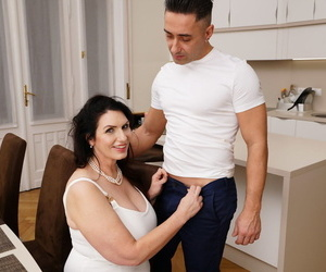 Big titted mature plumper Josephine James gets banged by her young lover