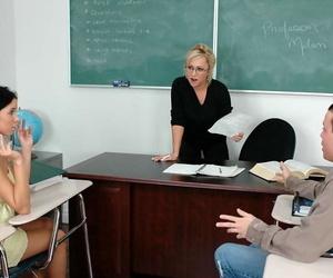 Mature teacher around glasses and crestfallen coed deployment pang bushwa around class