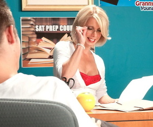 Jenny Mason always offers anal penetration supposing her fucker doesnt have condom