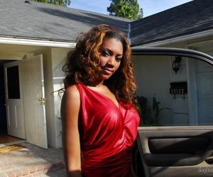 Sexy toned ebony Nyomi Banxxx on her knees sucking a big white cock