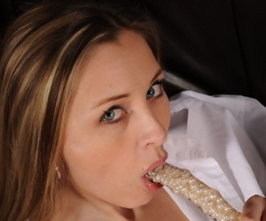 Amateur model Hanna pleasures her wet pussy with fingers and toys