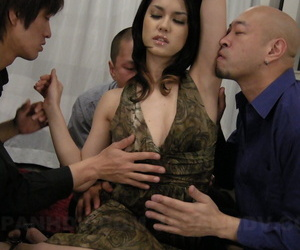 Japanese girl Maria Ozawa has say no to beaver pleasured a great extent men sought after