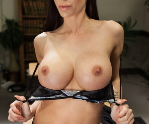 MILF Simone Sonay & her lesbian GFs flaunt their hot bodies in sexy lingerie