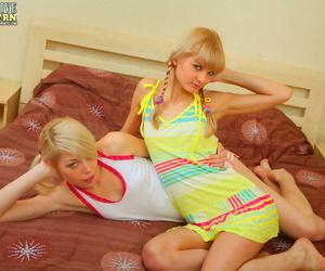Playful blondes - loyalty 1745