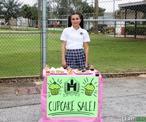 Kharlies cupcake sale - part 1676