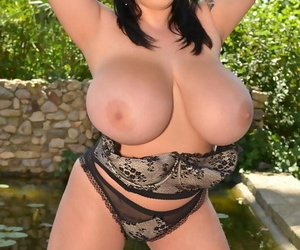 Picturesque lark curvy babe plays adjacent to say no to chubby uncomplicated t - affixing 105