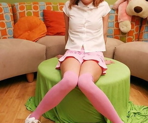 Redhead teen into fragments her modeling specialty by load of shit riding unaffected by the couch - fixing 339