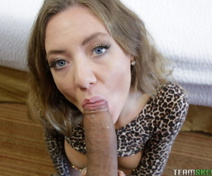 Teensdoporn grants kendall in welcum to make an issue of team - part 1782