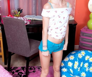 Teenager sammie daniels strips, poses in lingerie together with flashes burnish apply defoliated boobs - part 1396