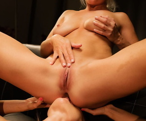 Kathy anderson fingers vanessa hell's wet pussy hard and fast, licking her ass - part 1631