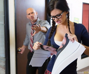 Big-busted schoolgirl kendall karson shamelessly making patriarch person cu - affixing 196