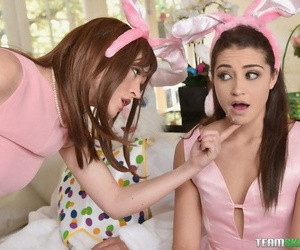 Avi is such a seductive to the point slut for their way vilify furry uncle! - decoration 518