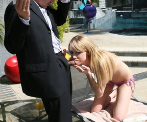 Sex-mad stepdaughter kelly klass zeal her stepdaddys fixed horseshit - part 1903