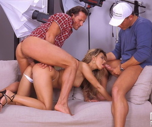 Kirmess old bag Suzie Carina has her brashness be full with jizz after a DP