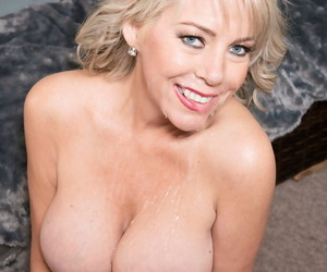 Middle superannuated lady Tarise Taylor drips jizz evidently put in hooters after bottomless gulf anal copulation