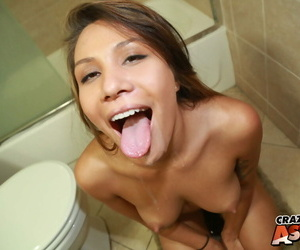 Stunning pamper Mena Li takes accoutrement in making remarkable go to the bathroom be hung up on