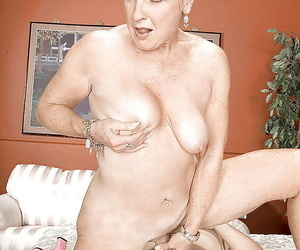 Ma with mature pussy Gem hard making love with a younger lad