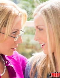 Milf cutie Jennifer Best gets licked out by lesbian teen Karla Kush