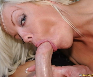 Picked there MILF Jordan Jolie gives a slurpy blowjob in a difficulty car