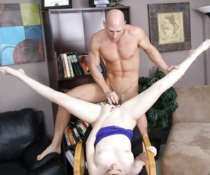 Sexy Faye Reagan gets laid out & her smooth tasty pussy eaten out