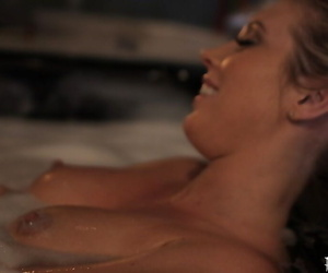 Samantha Saint is taking bath and showing off her awesome long legs
