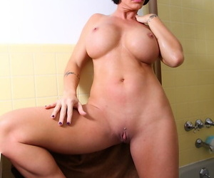Shay Deuce spreading pussy all round shower and rubbing palatable boobies