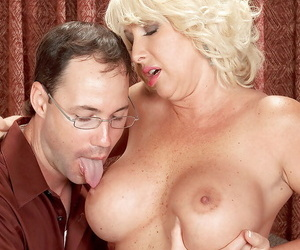 Grown-up bbw mom Joanna Harm be good enough to jumping vulnerable a rock hard dick