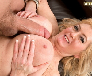 chunky boobed granny Tahnee Taylor sucks off will not hear of young lovers chunky gumshoe