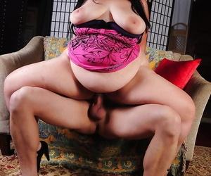 Mature ass of a big tits fatty Becki is nailed hardcore in close up