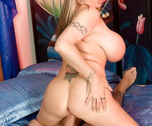 Gambling bbw Summer Sinn wins huge stack and hard cock in her shaved pussy
