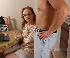 Mature blonde lady Venus giving a nice blowjob in the kitchen