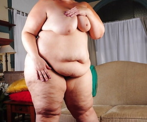 Obese model Erin removing dress for naked fat woman photos
