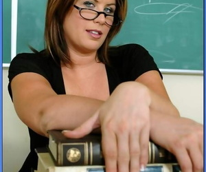 Big titted adult omnibus in glasses Lisa Sparxxx issuing the brush twat