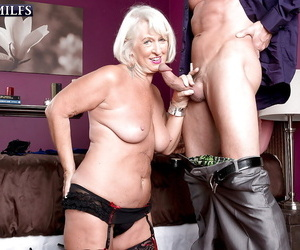 Outlandish granny Jeannie Lou goes hardcore and stuffs the brush mouth roughly a burly unearth