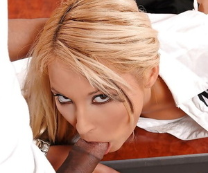 Jizz-starving office floosie delightful a hung unscrupulous baggage carrier with will not hear of wet frowardness